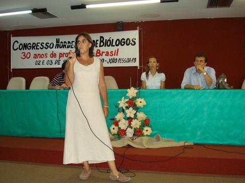 "Bióloga Maria Cristina Basílio Crispim, na Mesa Redonda ""O Biólogo e a Defesa do Meio Ambiente Ecologicamente Equilibrado""."