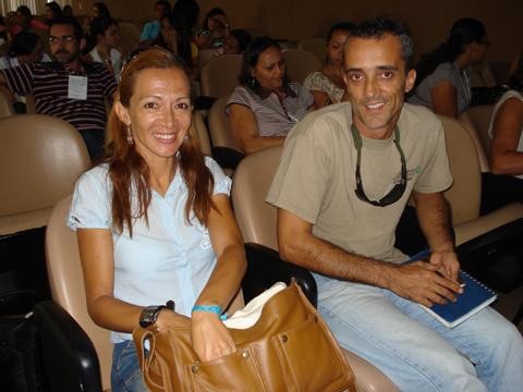 Biólogos Rita Mascarenhas e Douglas Zeppelini.